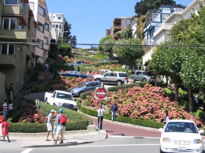 Най-кривата улица в САЩ  ул. Ломбард, Сан Франциско