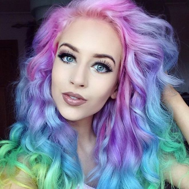 Нова мода – шарена коса