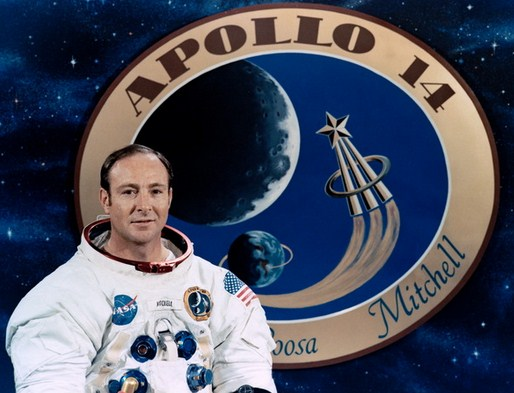 Едгар Мичъл, космонавт от Аполо 14: Има извънземни и те са там!